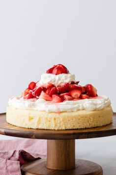Summer is the best time for this Strawberry Shortcake Cake! #strawberryshortcake #cake #strawberry