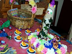 I love everything about planning and throwing a birthday party! For our daughter's birthday she requested a Rapunzel party, based on the Disney movie Tangled. If you havenR… Rapunzel Birthday Party, Tangled Party, 4th Birthday Parties, 5th Birthday, Birthday Cake, Birthday Ideas, Princess Party, Little Princess, Disney Princess