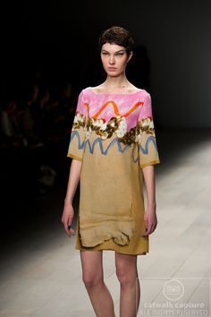 Google Image Result for http://www.catwalk-capture.com/gallery/LFWAW12/AntoniAndAlison/Antoni-and-Alison-Autumn-Winter-2012-LFW-006.jpg
