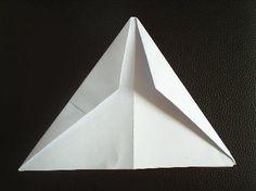Papierflieger Faltanleitung 6