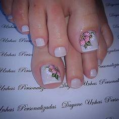 Pretty Toe Nails, Cute Toe Nails, Toe Nail Art, Fingernail Designs, Toe Nail Designs, Summer Toe Nails, Plaid Nails, Manicure E Pedicure, French Pedicure
