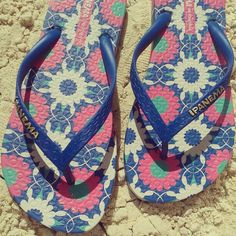 Ipanema Sandals heading to the beach!