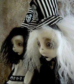 Lulu Lancaster of Lulusapple creates one one of a kind Art Dolls that span from Romantic to Creepy Gothic designs, always with a spooky edge. We're thrilled to have Lulu join us this year! Halloween and Vine - Petaluma, CA - September 24, 2016
