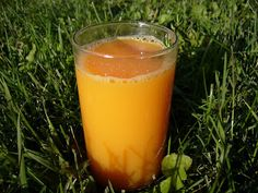 A very healthy looking smoothie and very basic Juice Smoothie, Smoothies, Healthier You, Lasagna, Cantaloupe, Healthy Life, Beverages, Cocktails, Breakfast