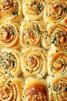 """SAVORY ROLLS ~NO CINNAMON These Garlic Bread """"Cinnamon"""" Rolls are a fun and exciting way of making deliciously soft garlic bread for your next pasta dinner feast. Bread Bun, Bread Rolls, Bread Recipes, Cooking Recipes, Cooking Games, Cooking Classes, Garlic Rolls, Garlic Knots, Rolls Recipe"""
