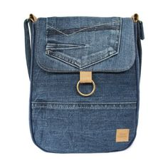 https://www.doorjolanda.nl/a-50949169/schoudertas/schouder-tas-jeans/ #jeans #black #spijkerstof #recyclefashion #reuse #duurzaammode #mode #fashion #essentials #bluejeans #lesstrash #lovethisbag #madeinholland #crossbody #spijkerstoftas #jeanstas #doorjolanda #madeinholland