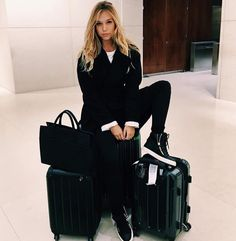"""annabeth] i post on my story; """"landed for a shoot in NY , hmu while i'm here"""""""
