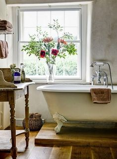 Raised Bathtub | Country Style Bathroom