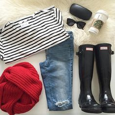 I want to go jump in puddles in this outfit! Fall Winter Outfits, Autumn Winter Fashion, Spring Outfits, Fall Fashion, Preppy Style, My Style, Simple Style, Hunter Boots Outfit, Outfits Otoño