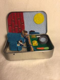 Itty Bitty Maties- horse in a tin house by MatiesMeadow on Etsy https://www.etsy.com/listing/247896815/itty-bitty-maties-horse-in-a-tin-house