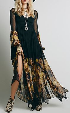 Looking for effortless romance? This Chic Floral Printing Maxi Chiffon Dress is exactly the piece you've been looking for.Discover your fashion style at OASAP with amazing prices!