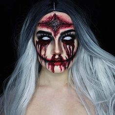 Are you looking for inspiration for your Halloween make-up? Browse around this site for scary Halloween makeup looks. Halloween Clown, Creepy Halloween Makeup, Halloween Inspo, Scary Makeup, Halloween Makeup Looks, Sfx Makeup, Halloween Make Up Scary, Halloween Entryway, Halloween Fashion