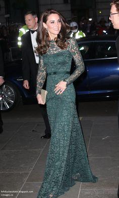 Green Lace, Green Dress, Princesa Kate Middleton, Royal Dresses, Kate Middleton Style, Herzog, National Portrait Gallery, Royal Fashion, Duke And Duchess