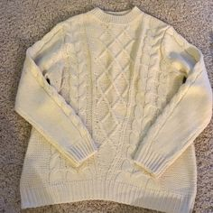 Forever 21 cable knit sweater Worn once. Off white color. Super warm. No damage. Forever 21 Sweaters Crew & Scoop Necks