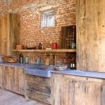 landelijke keuken hout, baksteen en arduin