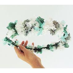 Corona en flor preservada verde y turquesa. Handmade. Mas información instagram mymacora_tocados y facebook mymacora. Mail mymacora@gmail.com