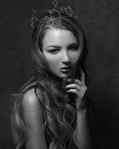 Kendra  #portrait nycmodel  #crown #portraitphotography #shoplocal #blackandwhite #monochrome #shotoncanon #canoncanada #donnalynnphotography  #fashion #portraitkillers #fashionphotography #fashionmodel  #londonmodel #milanmodel #lamodel #fashionstyle #internationalmodel  #yegfashion #yegbiz #yegphoto #canadianphotographer #yegmua #stalbert  #retoucher #artist #yegarts  Model: @kendramccourt.model MUA: @nadaglam Hair: @lunar.hair Photography/ Retoucher: @donnalynnphotog