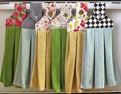 Colorful Hanging Dishtowels – Big A, Little A Sewing Tutorials, Sewing Crafts, Sewing Projects, Sewing Patterns, Tutorial Sewing, Dish Towel Crafts, Dish Towels, Tea Towels, Towel Dress