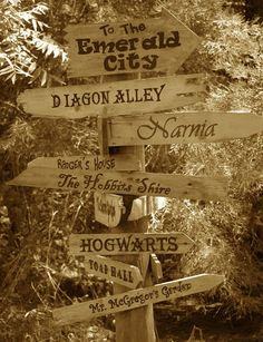 cool-fantasy-worlds-street-signs