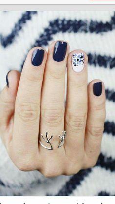 Winter nails navy blue nails