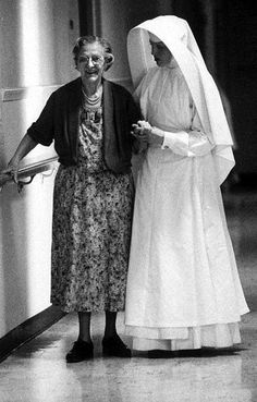 https://churchpop.com/2015/09/19/27-fascinating-photos-of-pre-vatican-ii-catholicism/ Old Photographs: Pre-Vatican II, Michael Ledesma, Facebook