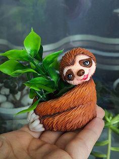 Sloth planter ceramic Animal planter Cute Sloth figurine Sloth gift for her him Air plant holder Small ceramic planter Air plant gift Polymer Clay Sculptures, Polymer Clay Animals, Ceramic Animals, Sculpture Clay, Cute Sloth, Pinch Pots, Ceramic Planters, Plant Holders, Air Plants