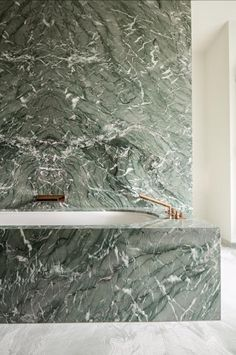 Bathroom in Antique Green Natural Stone by Hullebusch - Picture by Cafeïne