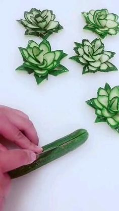 Pin by megangordon.studio on Rezeptideen [Video] in 2021 | Amazing food art, Amazing food decoration, Easy food art Amazing Food Decoration, Amazing Food Art, Easy Food Art, Creative Food Art, Party Food Platters, Food Dishes, Fancy Food Presentation, Fruit And Vegetable Carving, Veggie Art