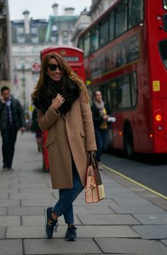 CON DOS TACONES: BACK IN LONDON