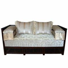 Dieses Ausgefallene Orientalische Sofa Verleiht Ihrer Wohnlandschaft