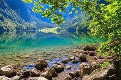 Озеро Оберзее — это райское место, расположенное на востоке Баварии у подножия гор Альп.