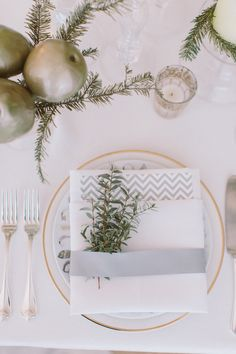 Dinner place settings ideas for #NYE