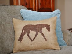Stenciled English Hunter Under Saddle Horse Pillow by MyMidwestHome on Etsy! Equestrian pillow décor English horse Burlap horse pillow AQHA