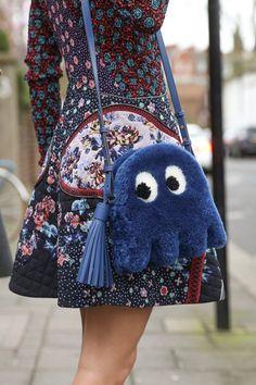 93 melhores imagens de Bags   Backpack bags, Beige tote bags e ... 58ea94fb60