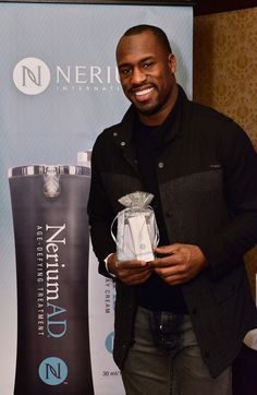 NFL athletes Ephraim Salaam, Vernon Davis & Terrell Owens all love Nerium!! Terrell saw the huge opportunity and joined the Nerium family as a Brand Partner! Let me treat you to coffee and lets chat. ericatreat.nerium.com