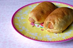 LCHF sausage rolls -recipe in danish. Lactose Free Recipes, Low Carb Recipes, Real Food Recipes, Lunch Snacks, Clean Eating Snacks, Healthy Snacks, Lchf Diet, Low Carb Bread, Dessert For Dinner