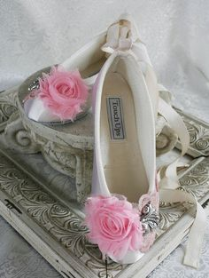 ♥♥ This gives me ideas for the girls shoes. Flower Girl Shoes, Girls Shoes, Pointe Shoes, Ballet Shoes, Ballerina Shoes, Bridal Shoes, Wedding Shoes, Cinderella Shoes, I Believe In Pink