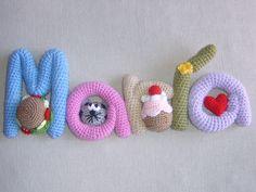 Nombres de amigurumi decorados. Los hago también por encargo.