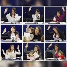 Resultat d'imatges de parlament europeu ronzulli i la seva filla