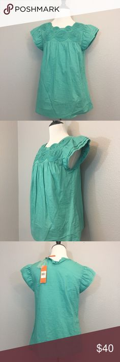 """BCBGeneration appliqué twill Top Size M flawed BCBGeneration Applique Twill Top Size Medium NWT. Missing button on back but the button is included. Measurements laying flat- armpit to armpit: 17.5"""" nape to hem: 25"""" BCBGeneration Tops Tunics"""