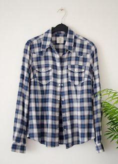 À vendre sur #vintedfrance ! http://www.vinted.fr/mode-femmes/blouses-and-chemises/30542182-chemise-a-carreaux-blanche-et-bleue-hm