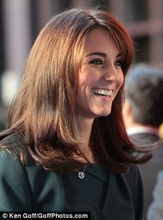 book of haircuts kate amp carole middleton shopping in 2006 vintage kate 5657 | 3ab2bf5657fcef8e53d791ed7c803354