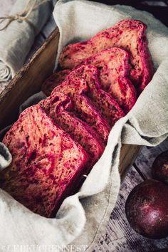 Der Tag des Butterbrotes jährt sich wieder mal und es sind auch in diesem Jahr wunderbare Stullenkreationen zusammen gekommen! Wir feiern heute die gute alte Stulle und heben das belegte Brot auf ein ganz neues Level. Macht Ihr mit?