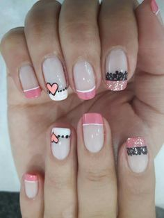 The accent nail Get Nails, Love Nails, Pretty Nails, Valentine Nail Art, Nails 2017, Pedicure Nail Art, Nail Polish Sets, Girls Nails, Toe Nail Designs