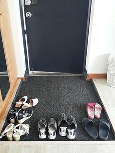 집안에 복을 부르는 봄맞이 풍수인테리어 요령 15개 Sneakers, Shoes, Fashion, Tennis, Moda, Slippers, Zapatos, Shoes Outlet, Fashion Styles