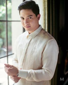 Alden sure does make a dashing groom. Alden Richards, Tv Awards, Pinoy, How To Relieve Stress, Cute Guys, Models, Guy Hairstyles, Jr, Crushes