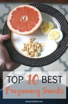 Top 10 Best Pregnancy Snacks // Growing a baby is hard work and sure to make you hungry! Here are some of the best snacks you can eat during pregnancy. Healthy, nutrition-packed ideas that are easy. Lots of good on-the-go ideas, too! Nutrition Education, Sport Nutrition, Holistic Nutrition, Healthy Nutrition, Proper Nutrition, Nutrition Guide, Nutrition Classes, Nutrition Articles, Spinach Nutrition