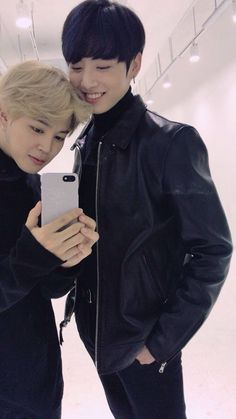 WHY does Jimin make himself look SHORTER?! ADORABLE