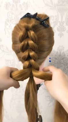 35 Easy and elegant updo Today we are going to create another easy and elegant updo First, my hair is straight today, Im gonna tease my hair, so its easier to stop Little Girl Hairstyles, Easy Hairstyles, Little Girl Braids, Cute Hairstyles For Kids, Braided Hairstyles Tutorials, Updo Hairstyle, Elegant Updo, Hair Videos, Hair Designs