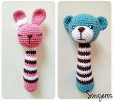Amigurumi Rattle Construction - Just DIY Crochet Baby Toys, Crochet Amigurumi, Crochet Toys Patterns, Crochet Gifts, Amigurumi Doll, Amigurumi Patterns, Crochet Animals, Stuffed Toys Patterns, Crochet Dolls